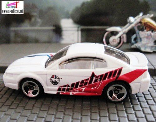 99-mustang-2001.086-company-cars-series--1-