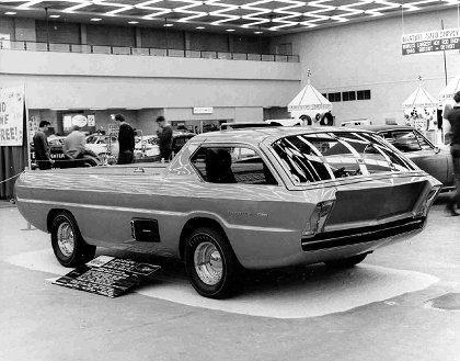 1967_Dodge_Deora_First-showing-Cobo-Hall_03.jpg