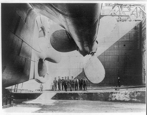 Titanic_rudder_before_launch.jpg