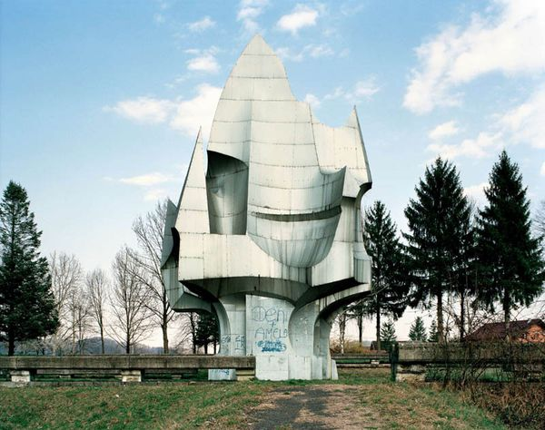 old-monuments-yugoslavia jan kempenaers-9