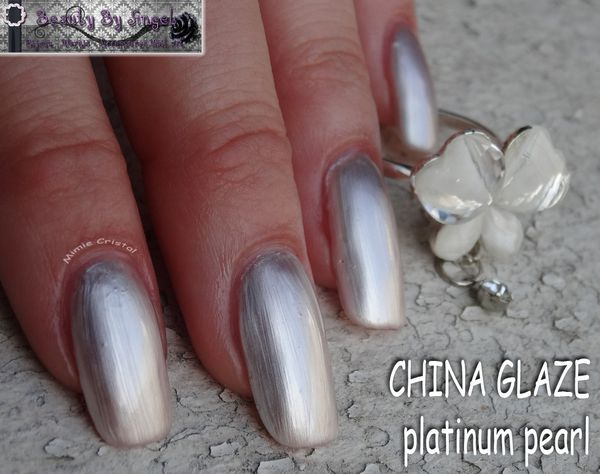 CHINA-GLAZE-platinum-pearl-02.jpg