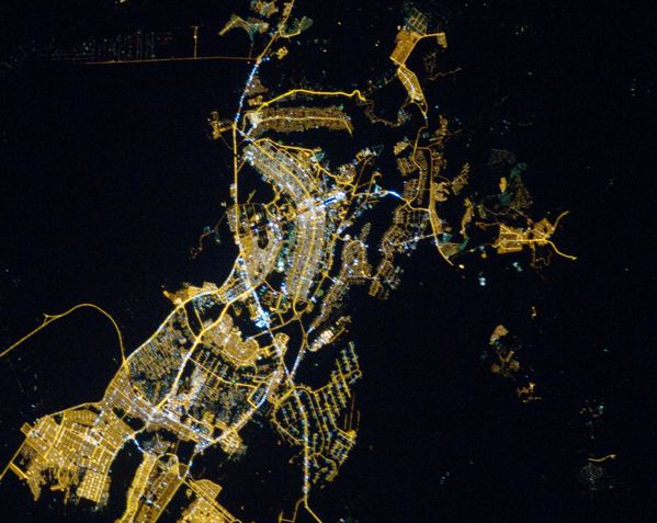 ISS - Brasilila - by night - par satellite - ISS026-E-16368