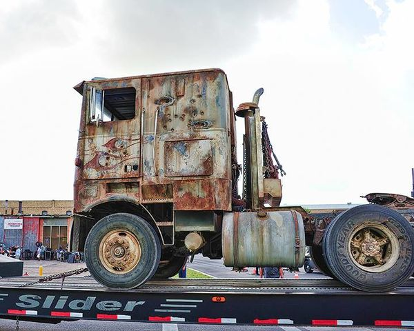 Transformers-4---Tournage-Camion-02.jpg