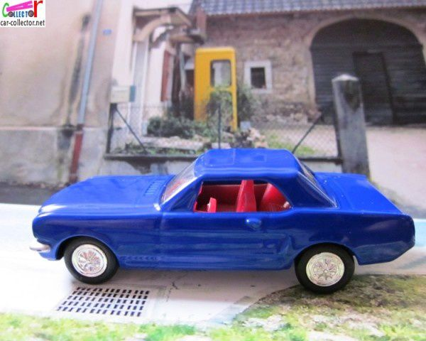1964-ford-mustang-blue-high-speed (2)