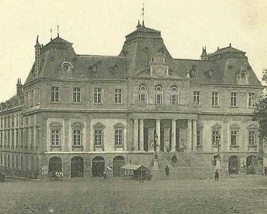 AUTUN 21ja - Hôtel de Ville