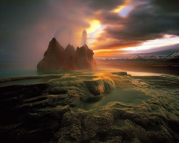 flygeyser---smithsonian-inst.-Nature-s-best-2007.jpg