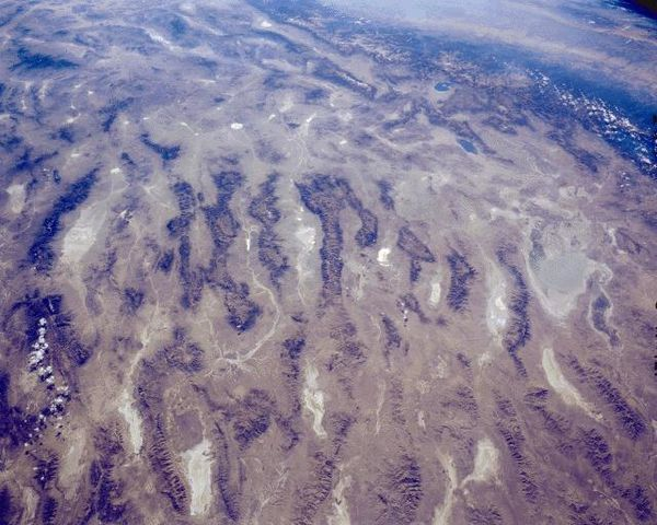 Basin_range_province-centre-Nevada---Nasa.jpg