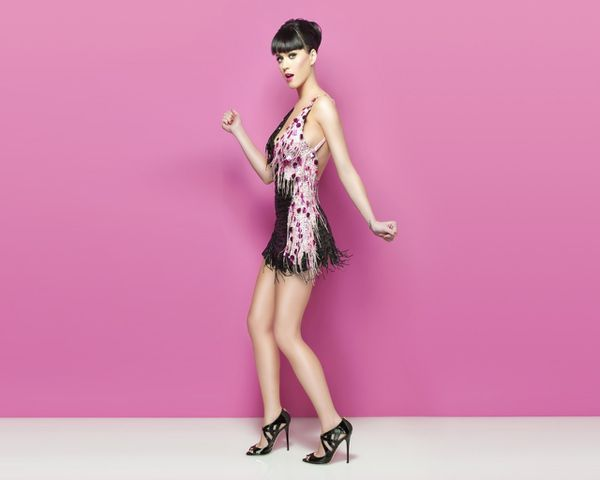 katy-perry-pink-wallpapers_14352_1280x1024.jpg