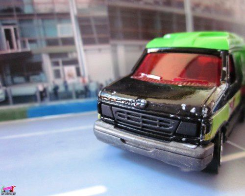 ford-econoline-road-pirate-majorette