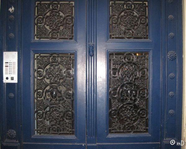 Porte bleue k