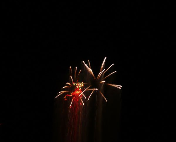 Feu-d-artifice-et-filaments.JPG