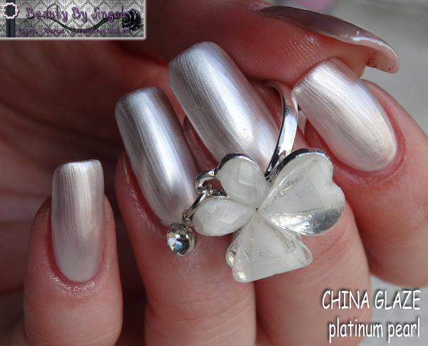 CHINA-GLAZE-platinum-pearl-01.jpg