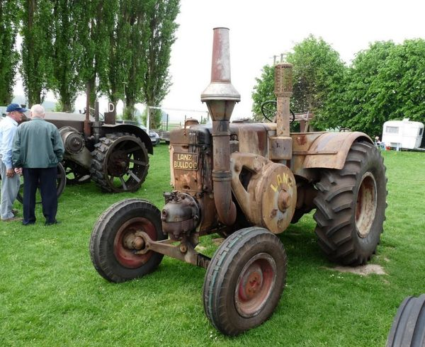 LANZ BULLDOG tracteurs en weppes beaucamps-ligny 023