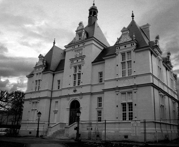 BU7-Mairie--L-Isle-Adam.jpg