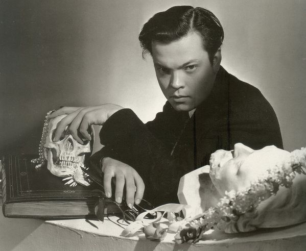 Orson-Welles---by-Cecil-Beaton.jpg