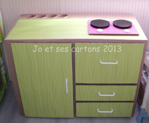 jo et ses cartons objets et meubles en carton. Black Bedroom Furniture Sets. Home Design Ideas