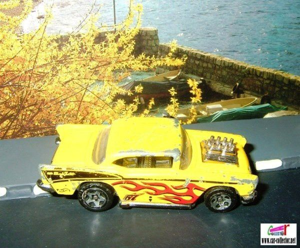 57 chevy moteur jaune hot wheels red flamed