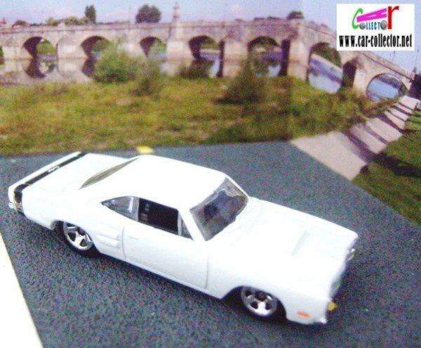 1969 dodge coronet super bee white 2008.005 first editions