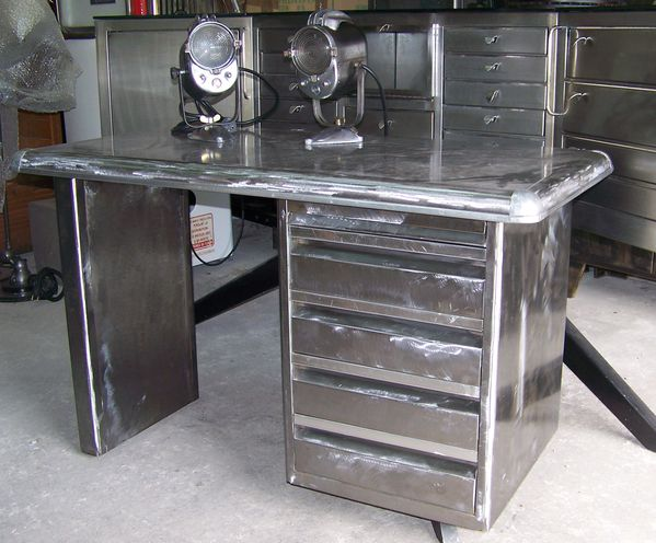 Bureau metal brosser industriel meuble metier le blog de for Meuble bureau metal