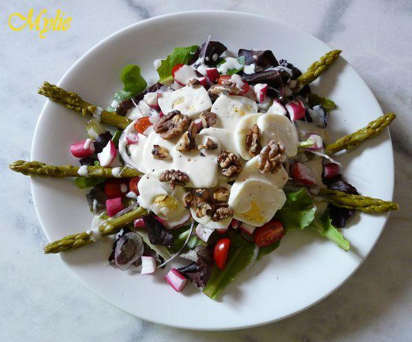 salade composée, sauce au gorgonzola et aux noix 1