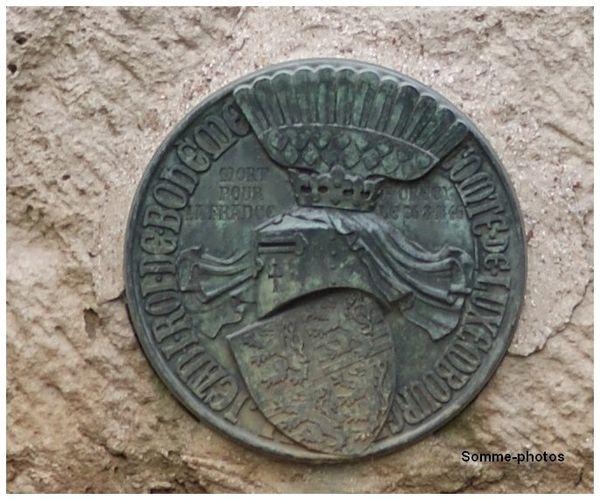 médaillon copie de la croix de bohème cimetière militair