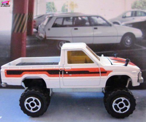 4x4-toyota-pickup-majorette