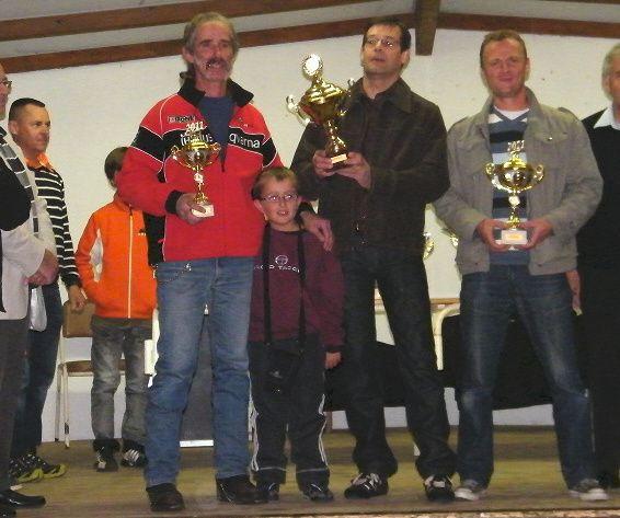 Remise-des-prix-UFOLEP-LOZERE-2011-Les-pilotes-en-motos-anc.jpg