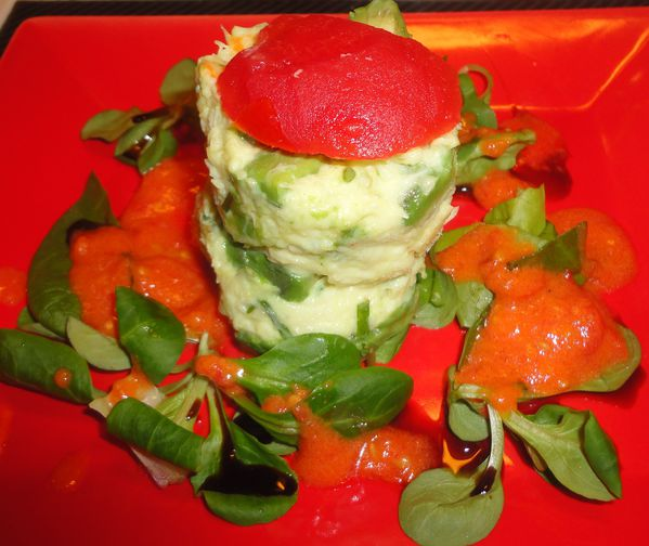 MILLE- FEUILLE DE TOMATE CRABE AVOCAT