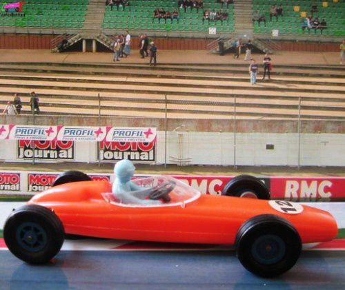 f1-brm-fabrication-cle-formule1 (2)