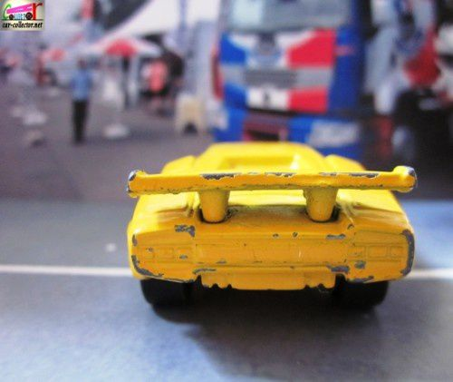 lamborghini-countach-lp500-matchbox (1)