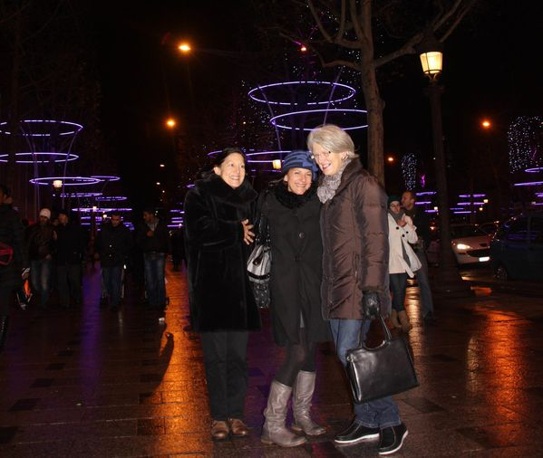 Voyages-2-0948-Illuminations-des-Champs-Elysees.jpg