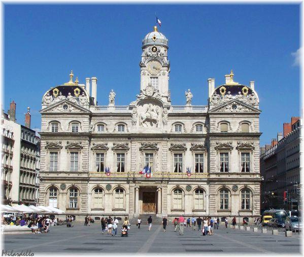 Les-Terreaux-hotel-de-ville-lyon.jpg