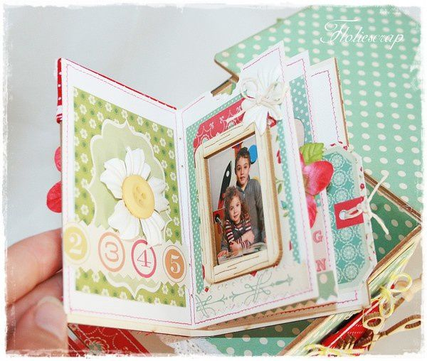 pages-embelliscrap-sept-2011 5384