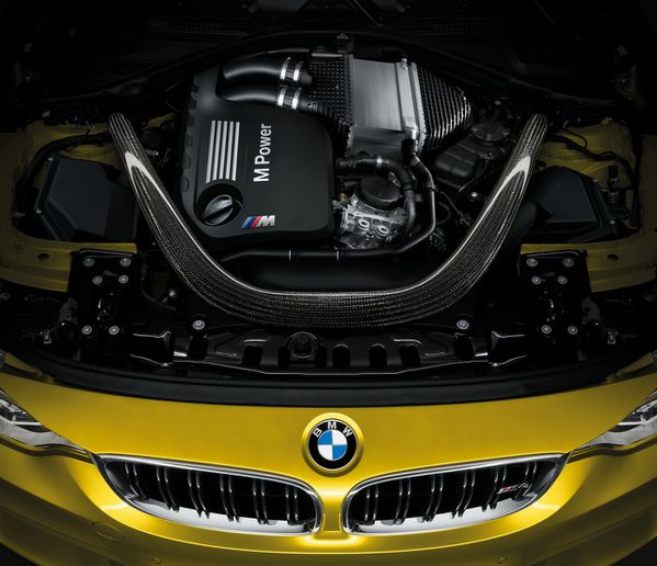 BMW-M4-coupe-2014-14