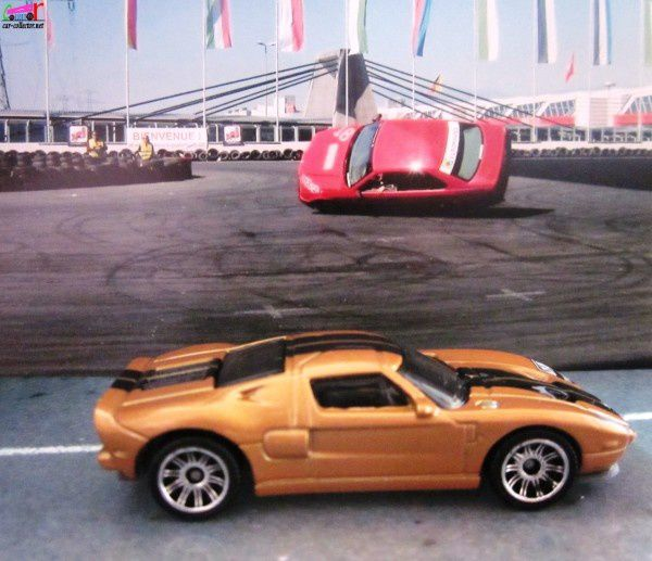 ford-gt-matchbox-ready-action (3)