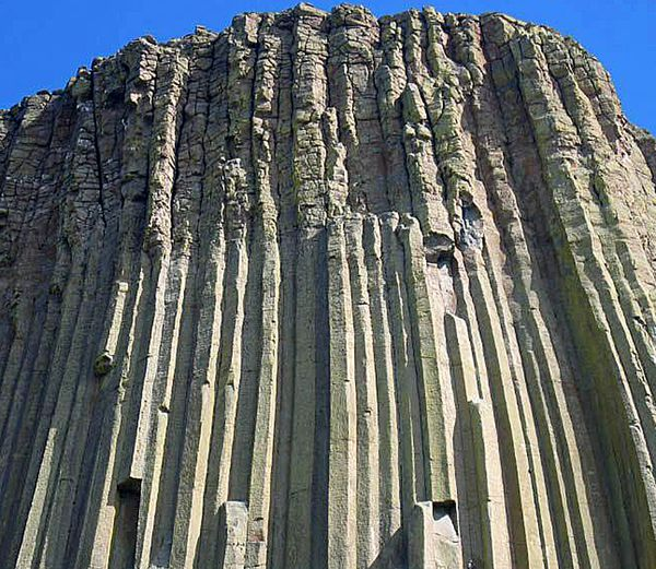 devils_tower_national_monument.jpg