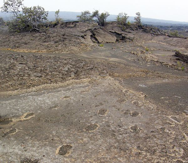 Kilauea-foot-prints---USGS---D.jpg
