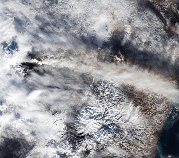 Landsat 8 - OLI - Volcan Kliuchevskoi - Kamtchatka-copie-1