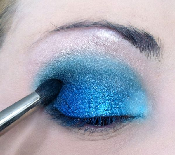 makeup-totally-blue 3276