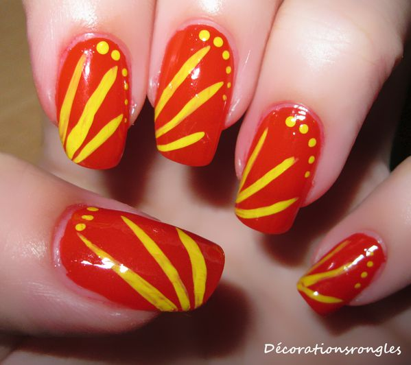 nail art facile faire jaune et rouge d corations sur ongles blog nail art. Black Bedroom Furniture Sets. Home Design Ideas