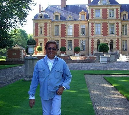 valentino with home
