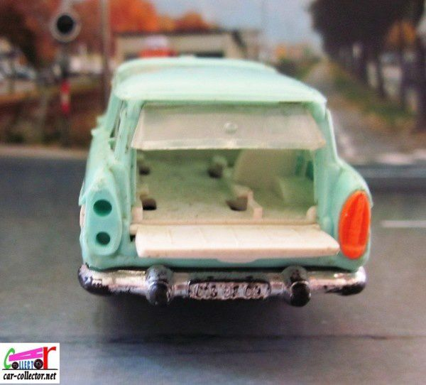 simca-marly-ambulance-norev-plastique