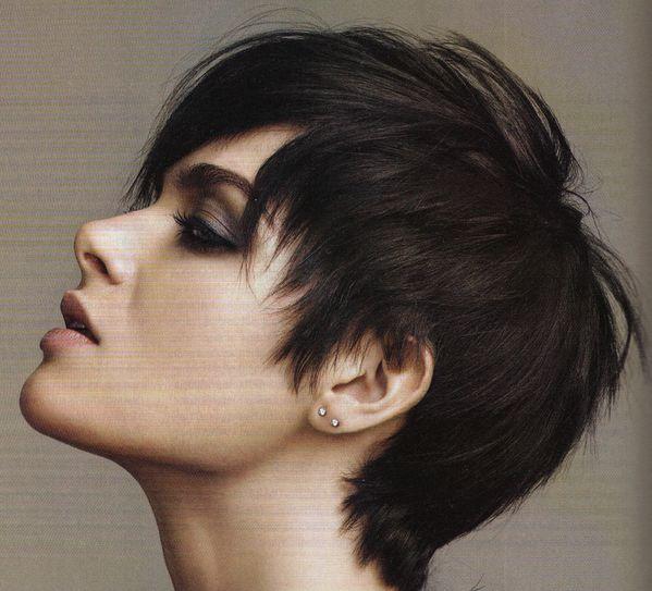 tendances coiffure et coupes cheveux 2012 blog coiffure tendance femme. Black Bedroom Furniture Sets. Home Design Ideas