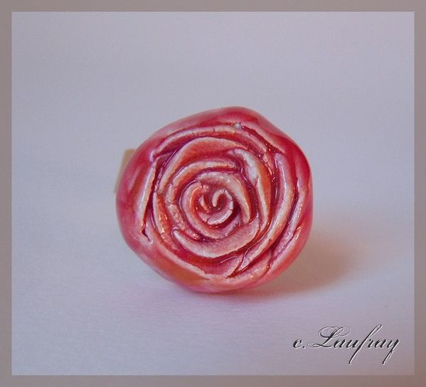 bague-fleur-modelee-rouge.jpg