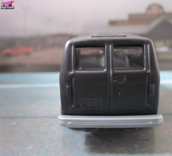 1975-chevy-van-cant-drive-55-van-chevrolet-matchbox (4)