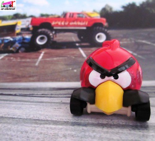 red-bird-angry-birds-imagination-2012.047-car-collector.net