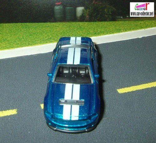 10-ford-shelby-gt500-2010.009-hw-premiere--3-