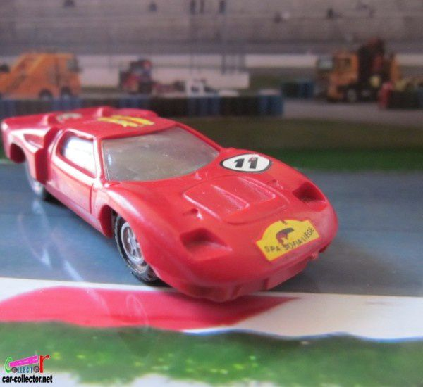 ford-mkII-voiture-de-course-champion-france