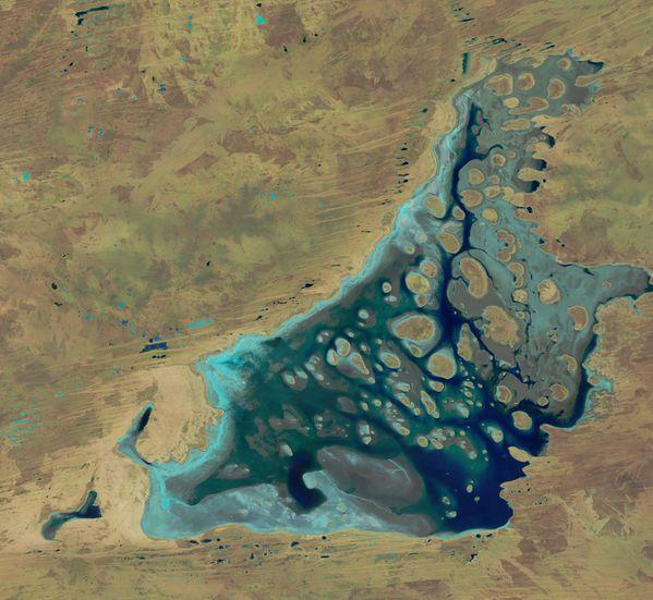 Landsat 8 - Australie - Lake Mackay - 22-04-2014 - 01h25