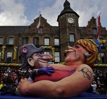 Dusseldorf-cologne-carnaval-Sarkozy-Merkel en-carton-pate
